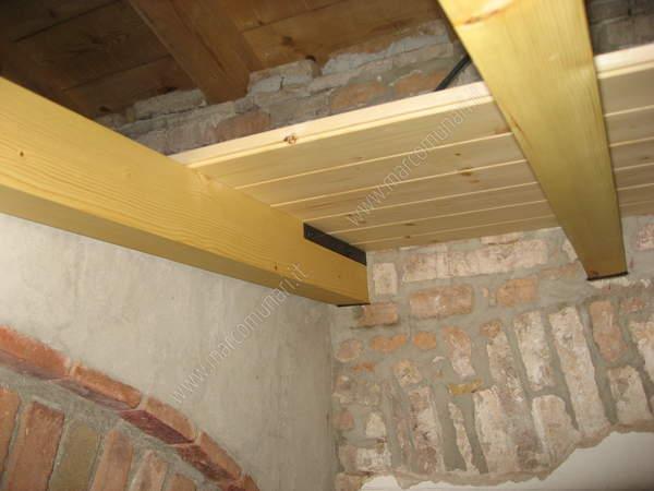 Montaggio perline soffitto ispirazione interior design for Perline in legno per pareti prezzi